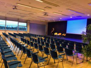 Salle Parc des expos Mulhouse - Conférence Cécile Neuville PRE Education positive